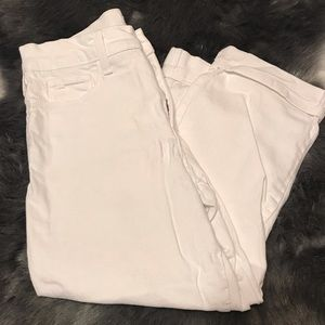 Not your daughters white Capri pants size 6
